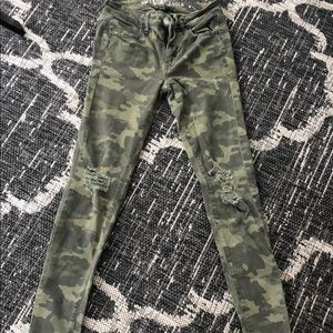 camo print anerican eagle jeans size 2